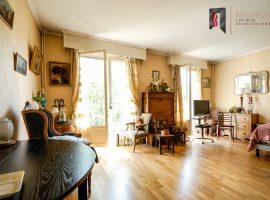 Versailles Centre - Viager occupé - F 76 ans - Appartement 40 m2 - Box - Cave